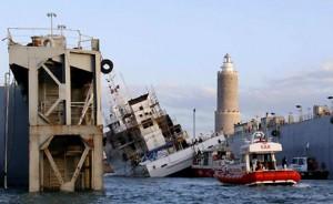 A Livorno la nave oceanografica Urania in bacino si è inclinata. Un morto e tre feriti